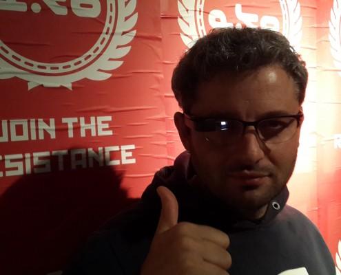 Emiliano Piscitelli (CEO VHGroup) probando los Google Glass